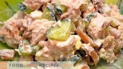 Ensaladas con pechuga de pollo y champiñones