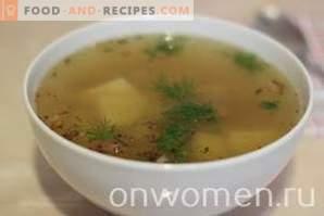 Sopa de patata con cordero en una olla de cocción lenta