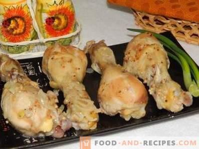 Muslos de pollo en una olla de cocción lenta