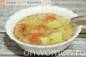 Sopa de frijoles enlatada en un Multicooker