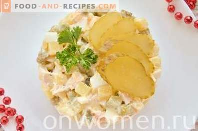 Ensalada con pollo, huevos y verduras