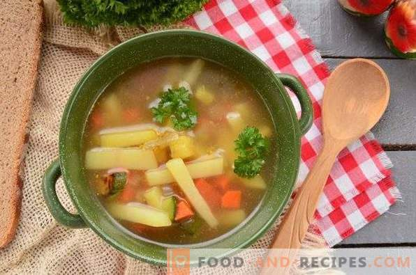 Sopa de verduras con calabacín