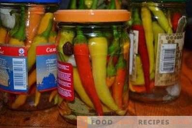 Chili Peppers marinado para el invierno