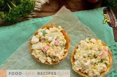 Tartaletas con palitos de cangrejo, queso y huevo